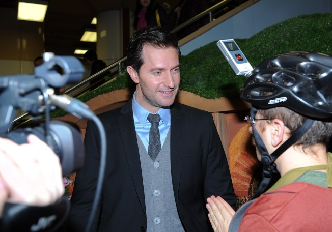 "Richard Armitage Visits Union Station To Promote ""The Hobbit: An Unexpected Journey"""